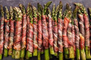 Crispy Prosciutto-Wrapped Asparagus