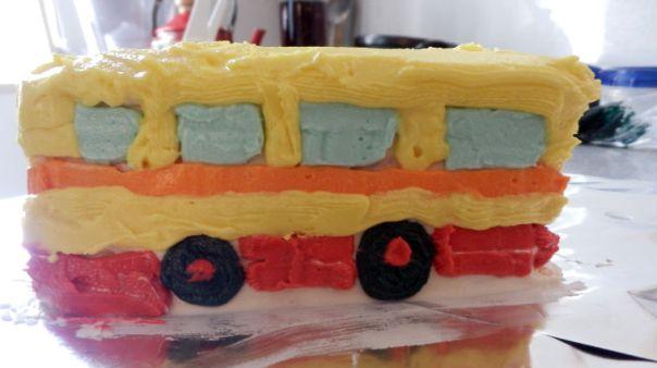 Bus cake 3