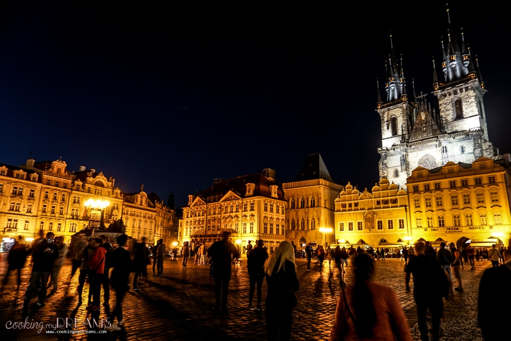 3 Days in Prague - Town Hall square by night