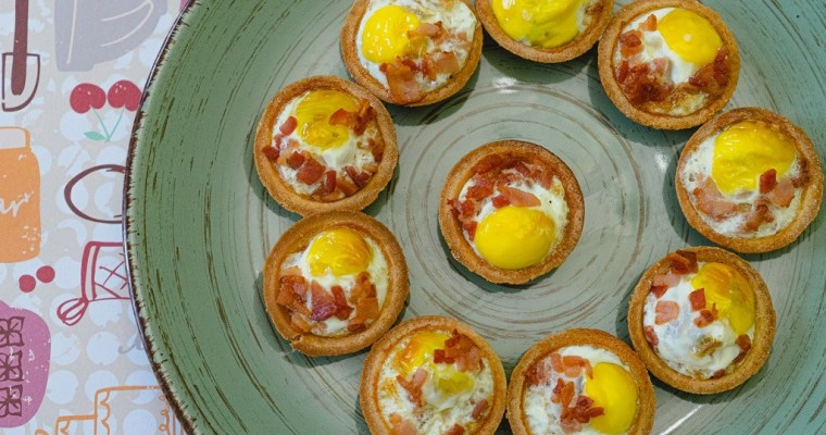 Quail Egg And Bacon Tartlets (Canastillas de Huevos)
