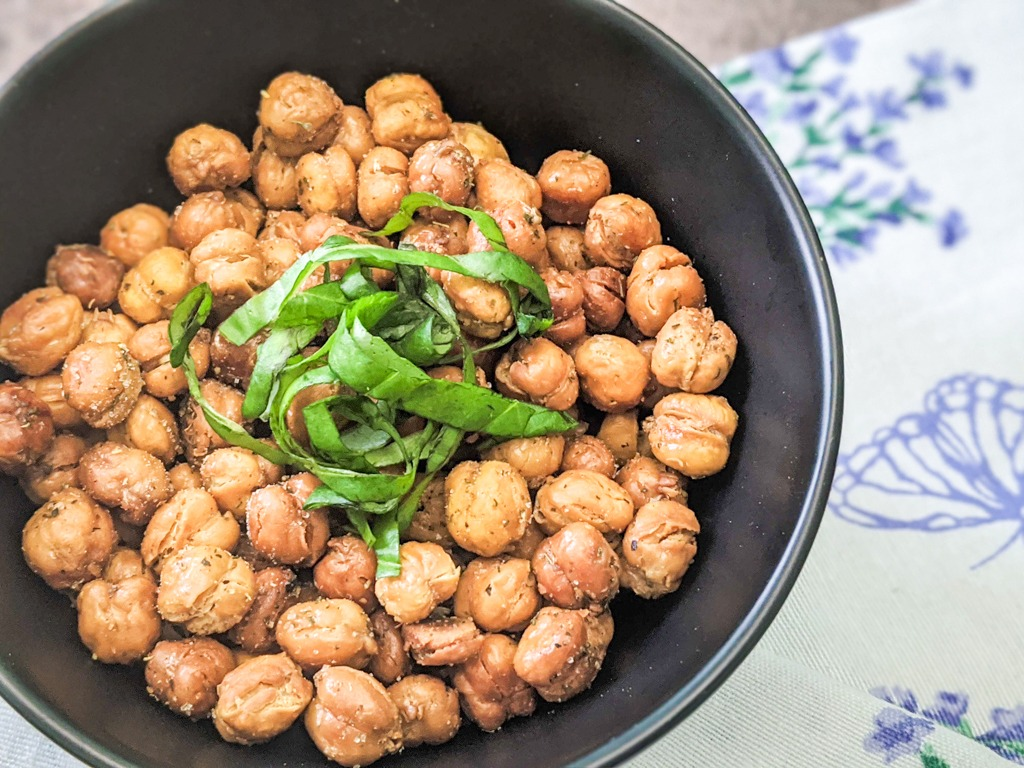perfectly crispy chickpeas every time. easy quarantine snacks