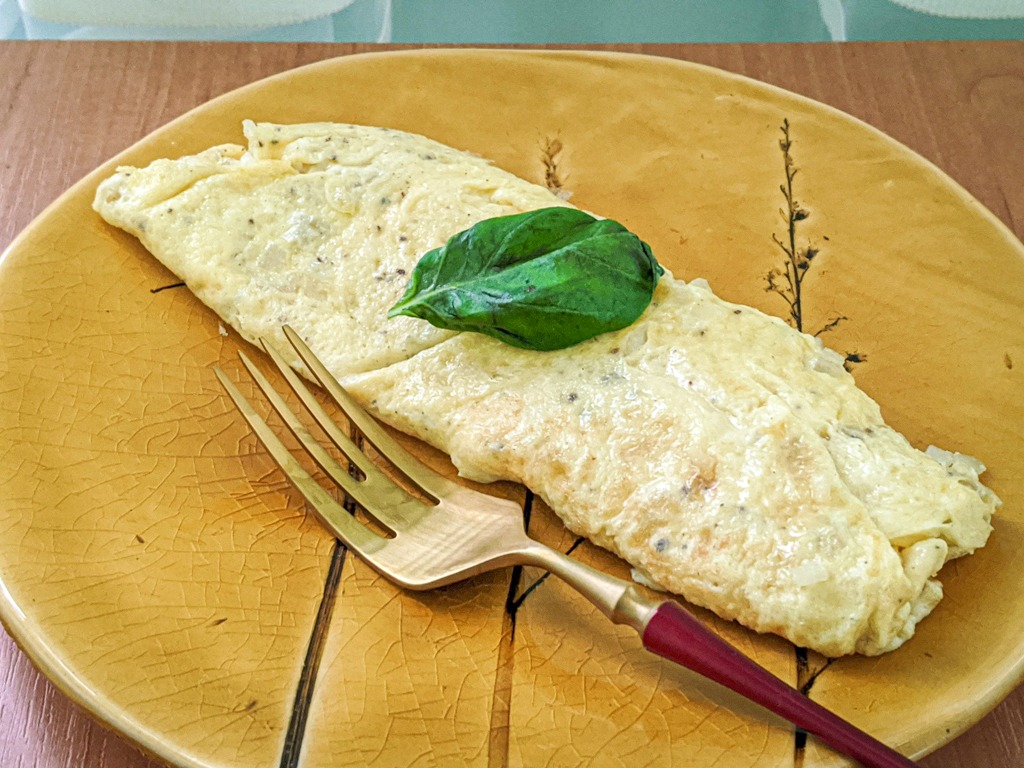 perfect french omelette with brie cheese
