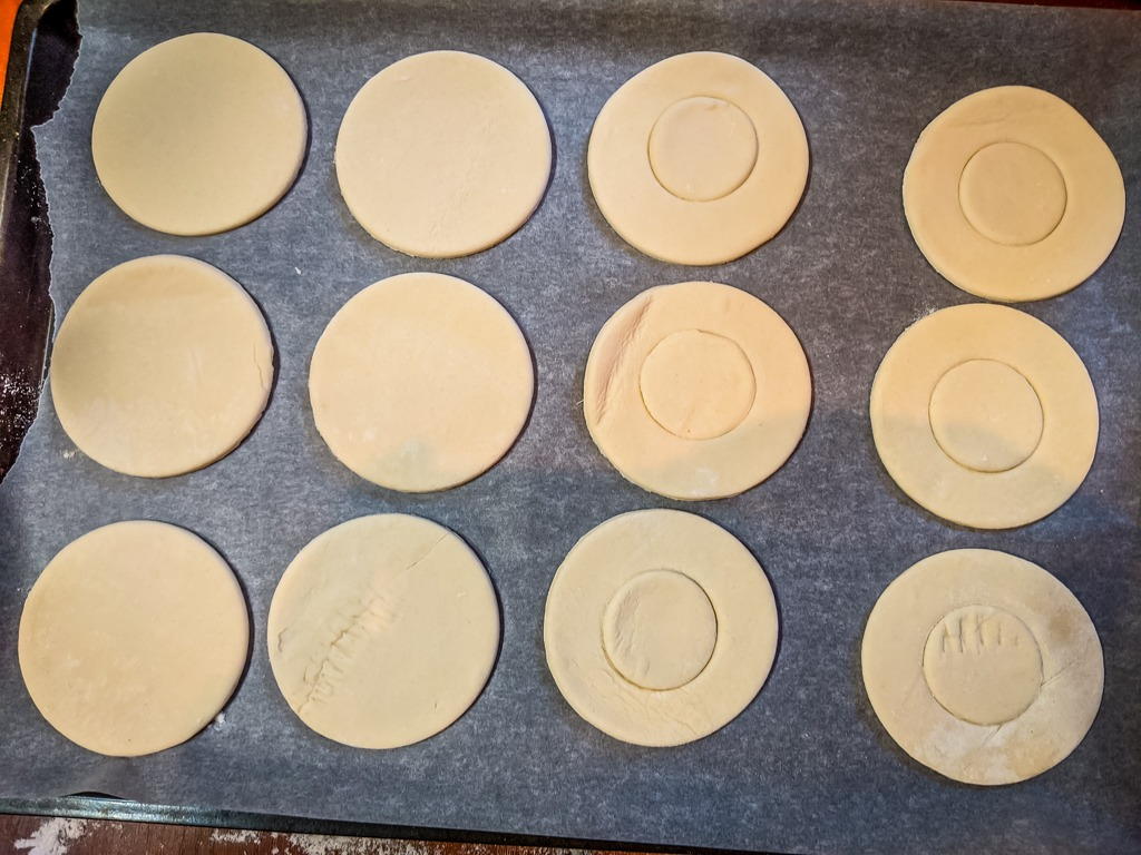 puff pastry cutouts for vol-au-vent