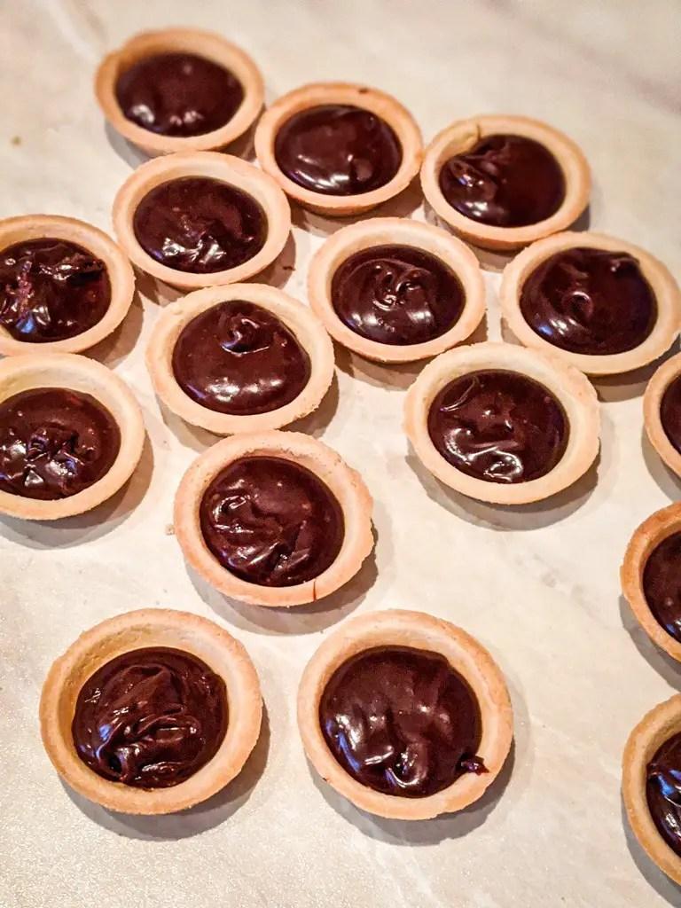 Chocoalte hazelnut tartlets before refrigeration