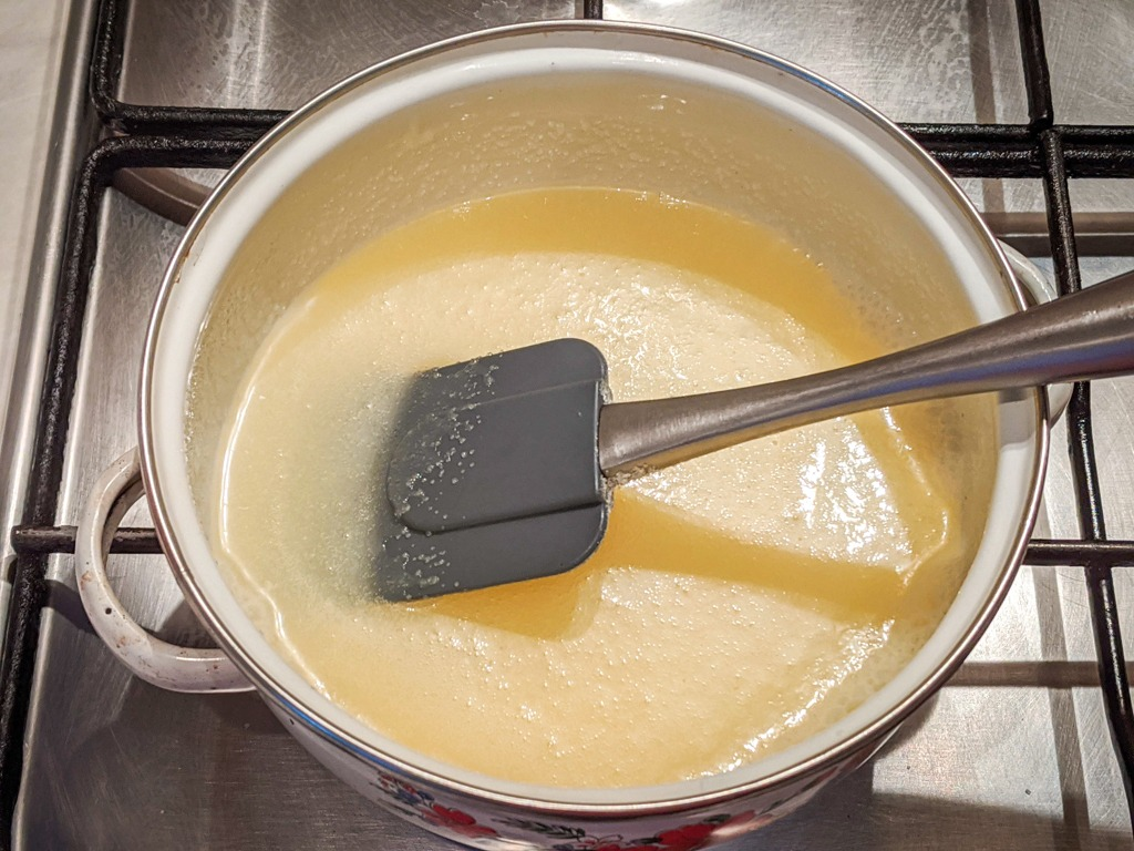 mixing heavy cream and sugar