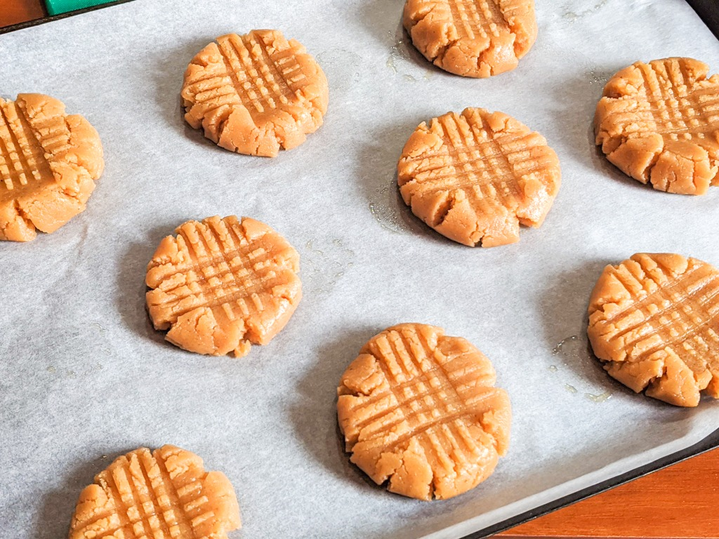 cashew butter cookies before being baked