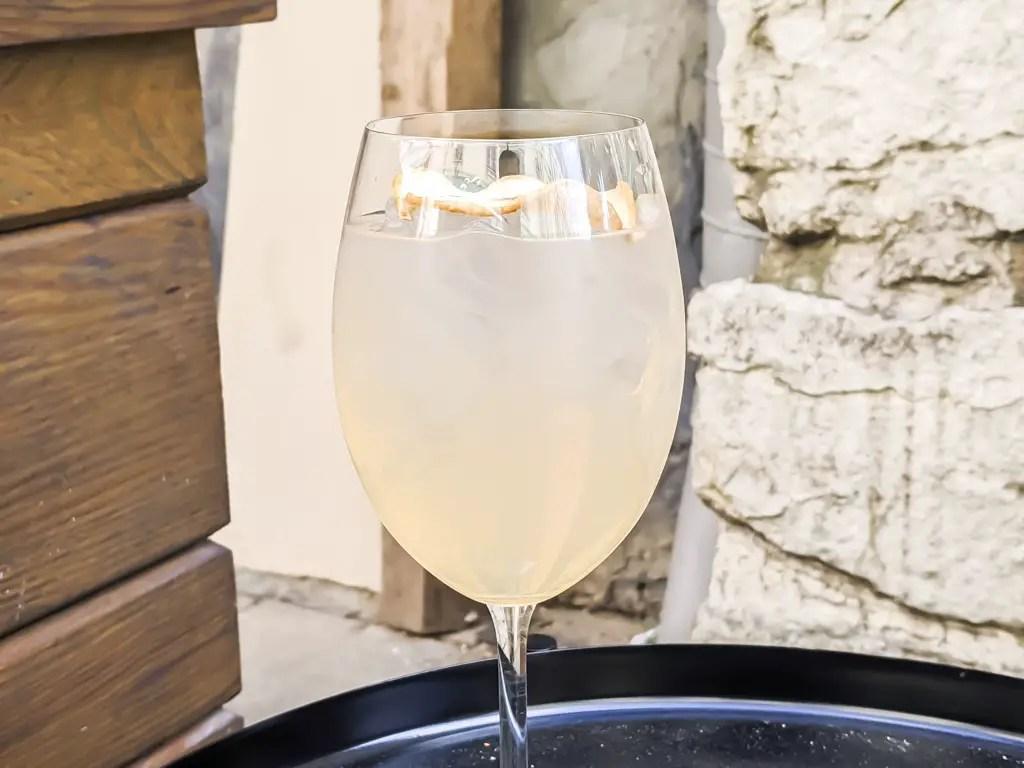 mastiha spritz cocktail