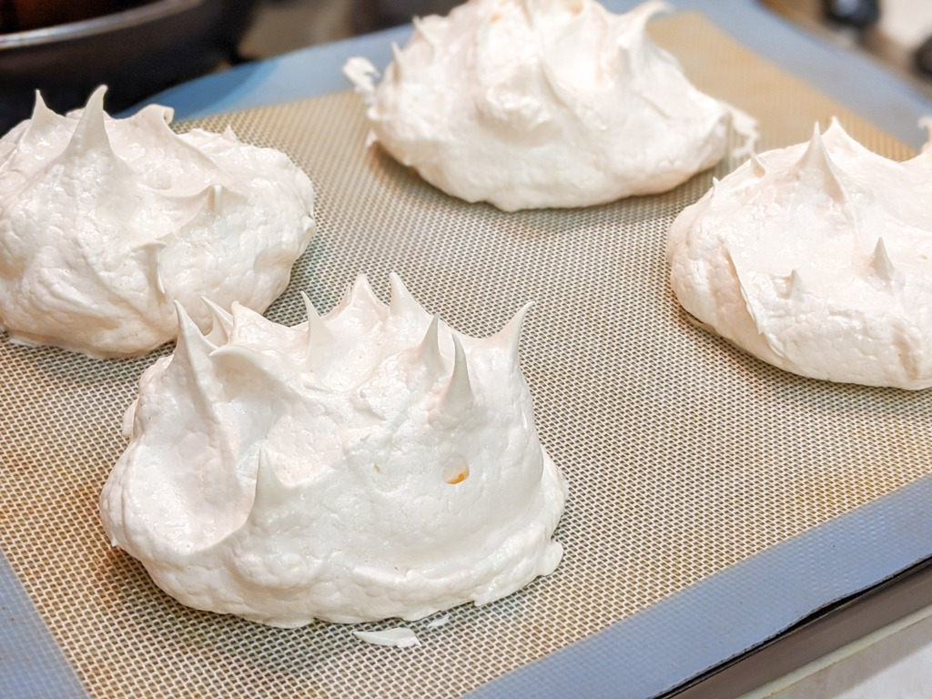 mini pavlova post bake