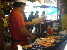 Pattaya Floating Market 3 - cookingtrips.wordpress.com