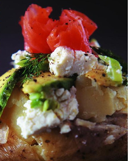 Baked potato with cottage cheese, avocado and smoked fish or grilled bacon-p414