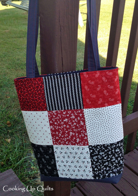 Recessed Zipper Tote Bag - Nine Patch