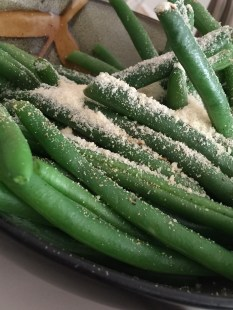 Steamed green beans with parmesan cheese. Photo by M. Sandoval