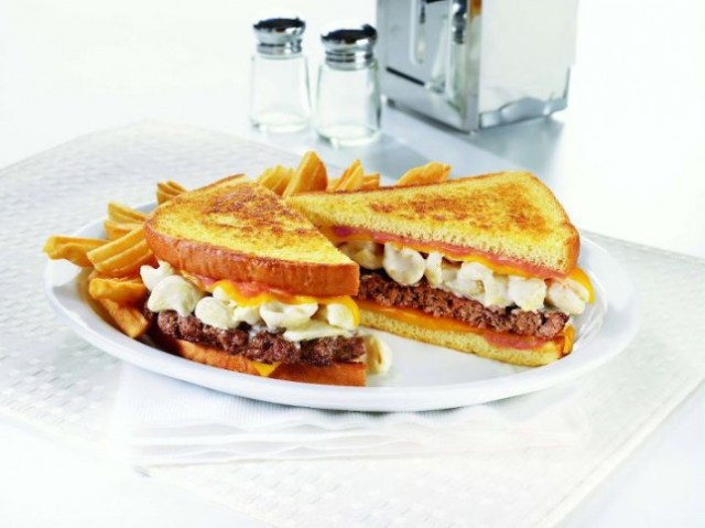 11) Denny's Mac 'n Cheese Big Daddy Patty Melt - This crazy sandwich has 1690 calories.