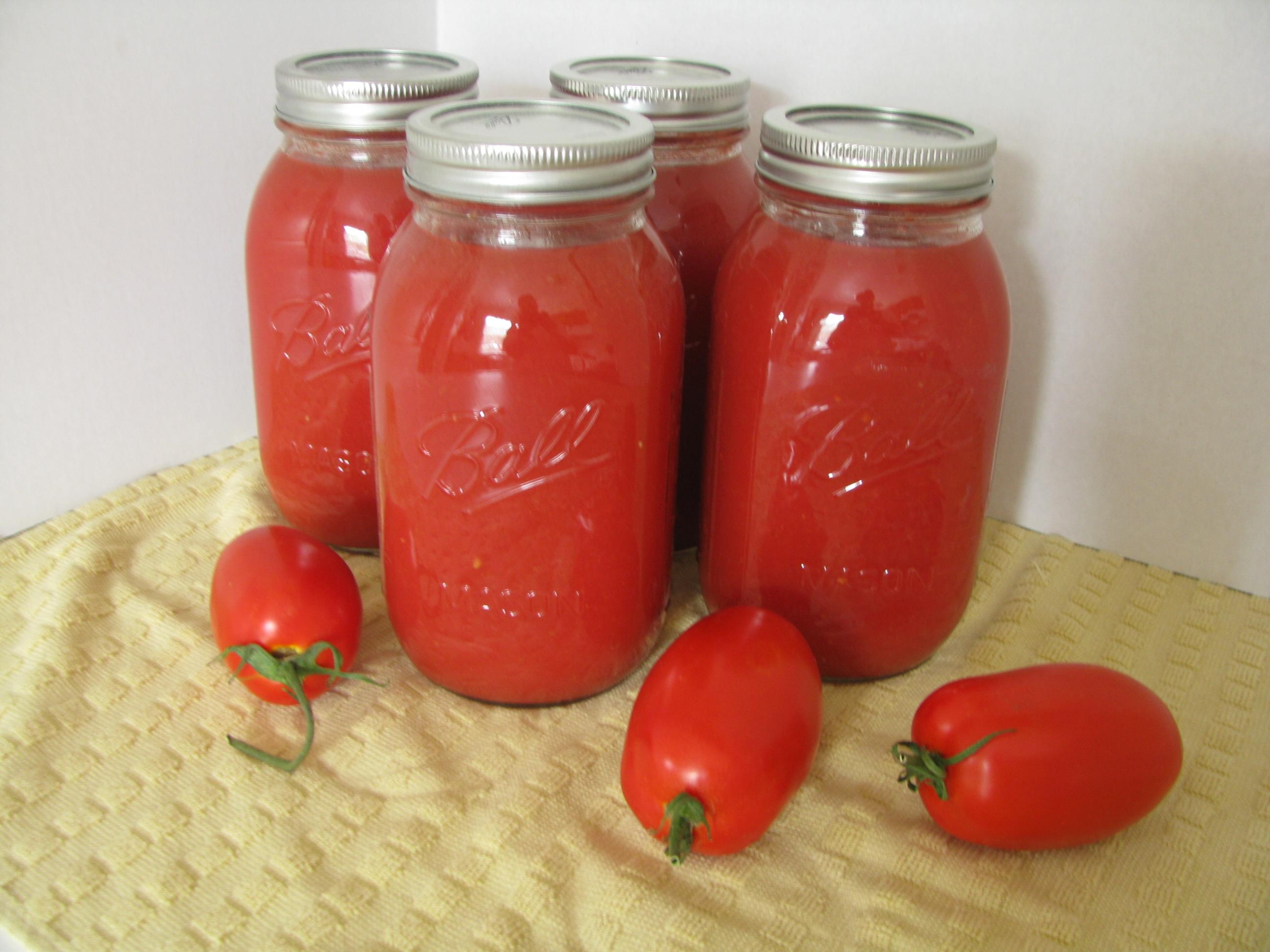 Canning 101: Basic Tomato Sauce