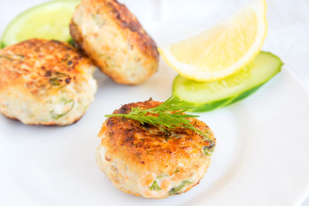 Cheap & Healthy Salmon Cakes