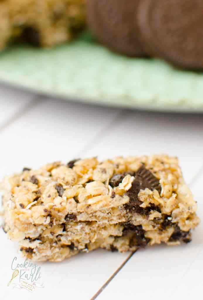 Cookies 'n Cream Granola Bars are your basic granola bar but it is packed with chunks of chocolate Oreo Cookies. This is not your average granola bar!