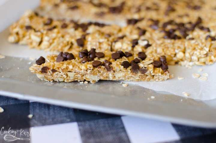 no bake peanut butter chocolate chip granola bar