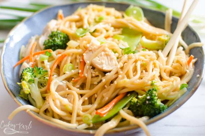 chicken lo mein recipe in the Instant Pot or stovetop
