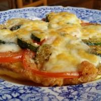 Omelette aperta con Zucchine, Pomodori e Formaggio