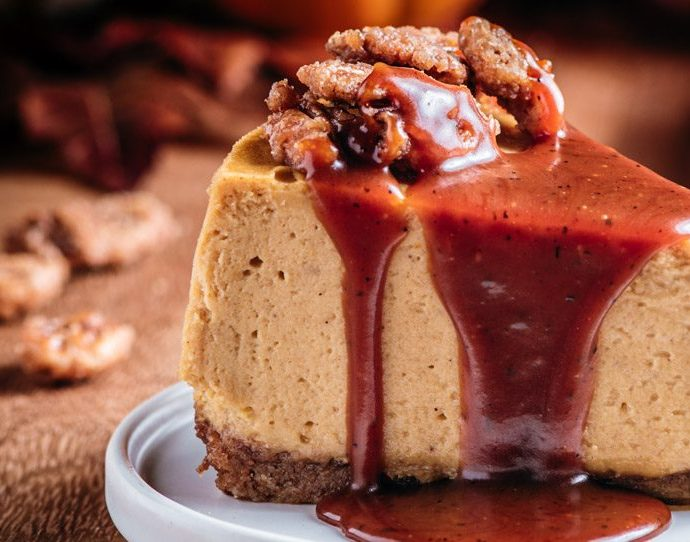 Pumpkin Mascarpone Cheesecake with Candied Cinnamon Pecans