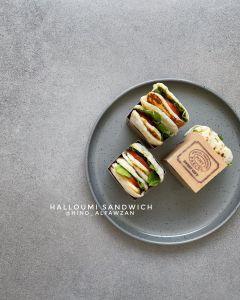 ساندوتشات الحلّوم  *المقادير والطريقة: لإعداد الخبز .. بالأكواب والملاعق المعيار
