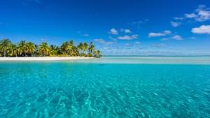 Aitutaki lagoon and one foot island