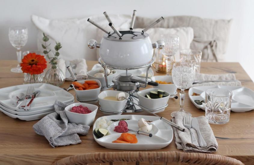 Vegetarisches Fondue                                           Gemüse im Backteig mit Kürbis Hummus und Rauna Dip