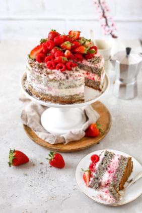 beeren-naked-cake