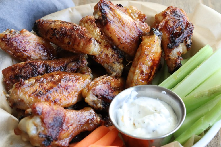 RECIPE   Whole30 Baked Buffalo Wings   Cookithealthier.com