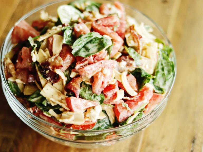 Recipe | B.B.L.T. Pasta Salad with Tessemae's Buffalo Ranch Dressing | cookithealthier.com