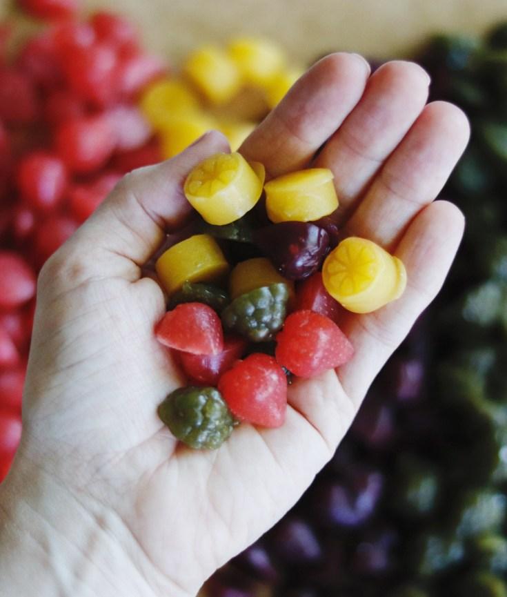 RECIPE | Healthy Homemade Fruit Snacks | cookithealthier.com