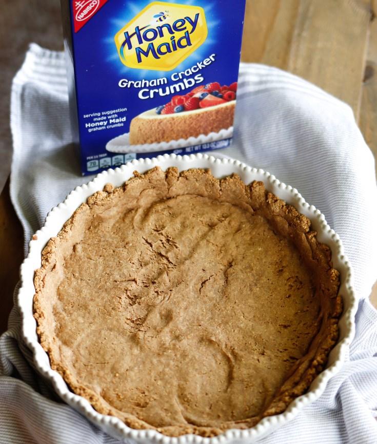 RECIPE | 3-Ingredient Graham Cracker Crust | cookithealthier.com