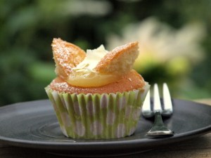 Low FODMAP Lemon and White Chocolate Butterfly Cakes