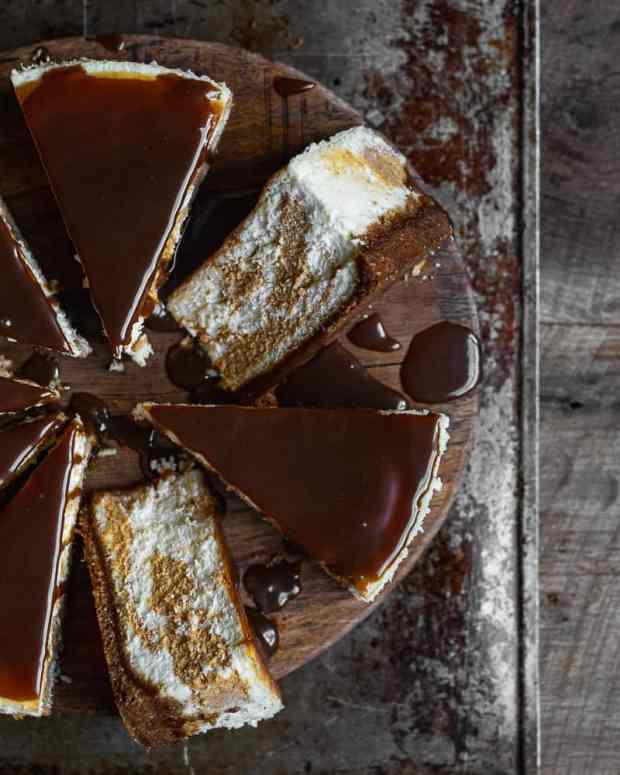 pumpkin swirl cheesecake sliced