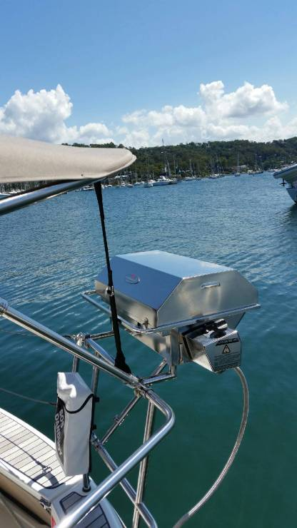 Bavaria with telescopic support for boat BBQ