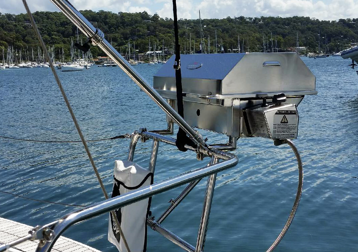 Stainless steel gas boat bqq on yacht with clamp on rail mounts and support arm