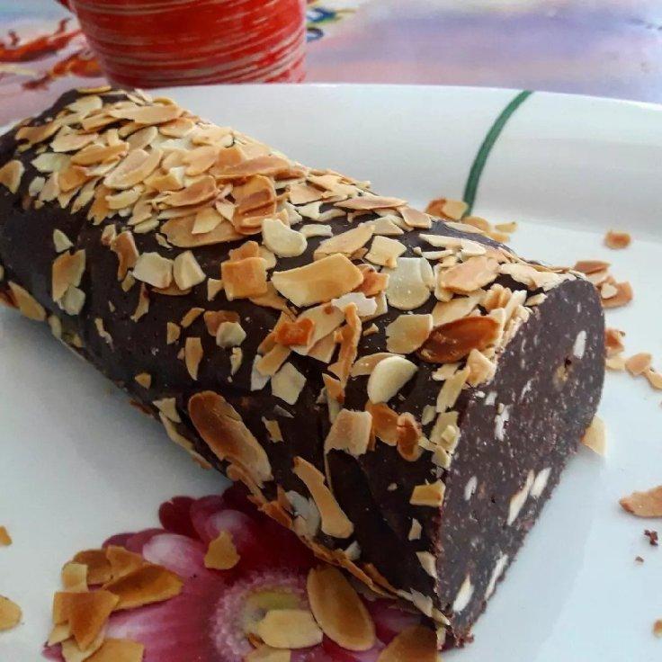 Κορμός σοκολάτας με μελομακάρονα