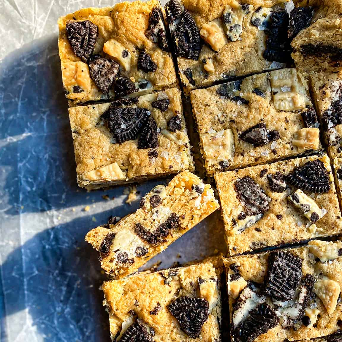 Brown Butter Cookies and Cream Blondies