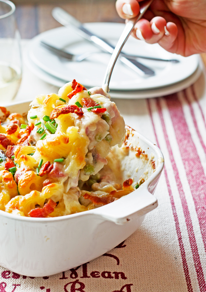 Cauliflower Mac & Cheese with Aged Cheddar, Ham & Peas