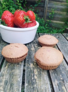 Vegan strawberry and coconut Cupcakes