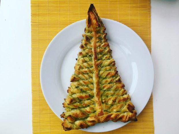 Pesto & Nuts puff pastry (folhado recheado com pesto e nozes) vegan