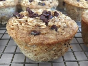 Banana Chocolate Chip Oatmeal Cups