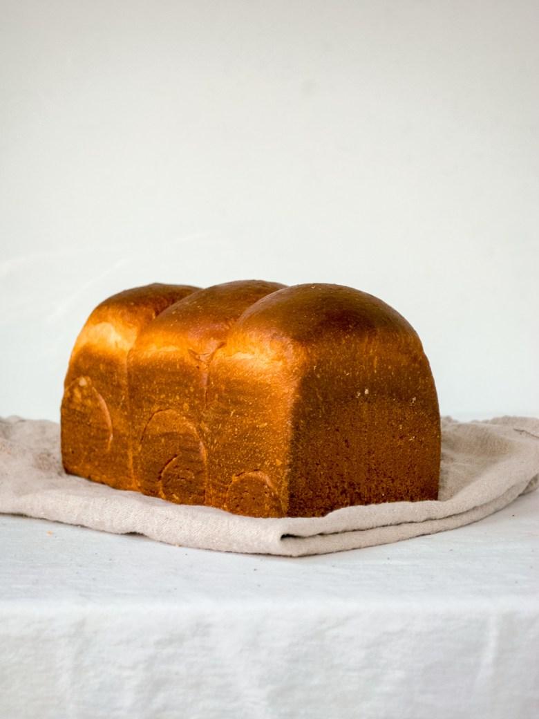 sourdough sandwich bread loaf