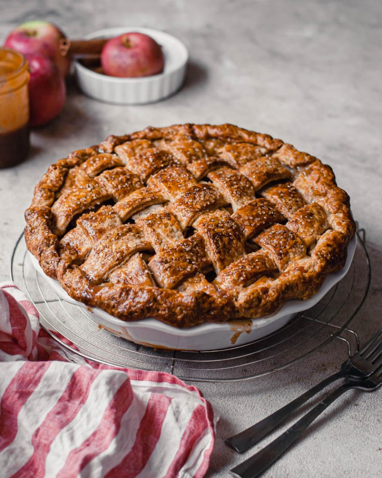 apple pie with sourdough crust