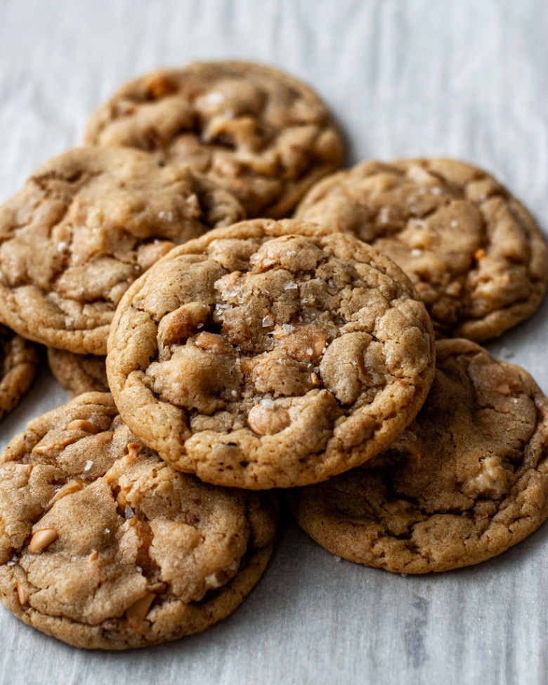 caramelized white chocolate and walnut cookies