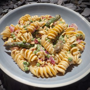 Summer pasta with peas and asparagus