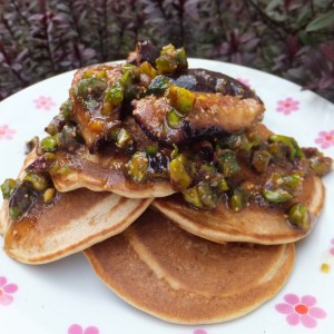 Ricotta Pancakes with figs and Pistachio topping