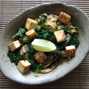 Noodles with tofu and kale