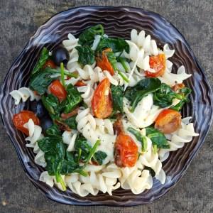 Spinach, tomato and mozzarella pasta