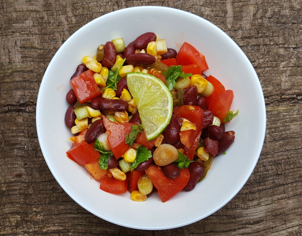 Spiced tomato, corn and kidney beans salad